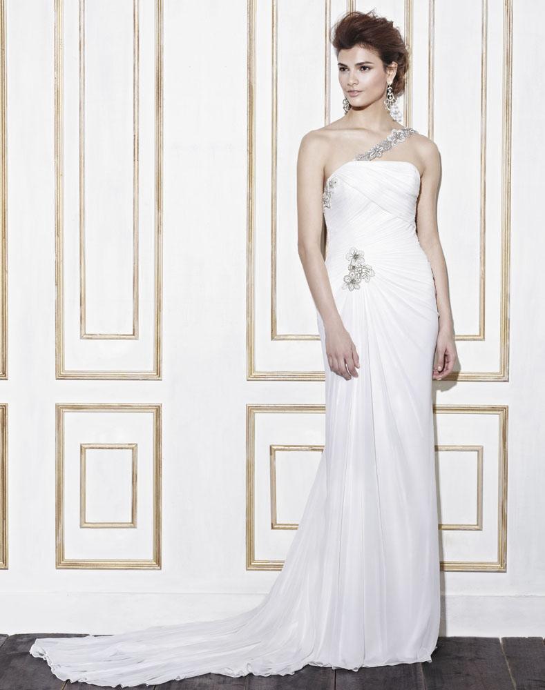 Asymmetrisches Hochzeitskleid bei Enzoani