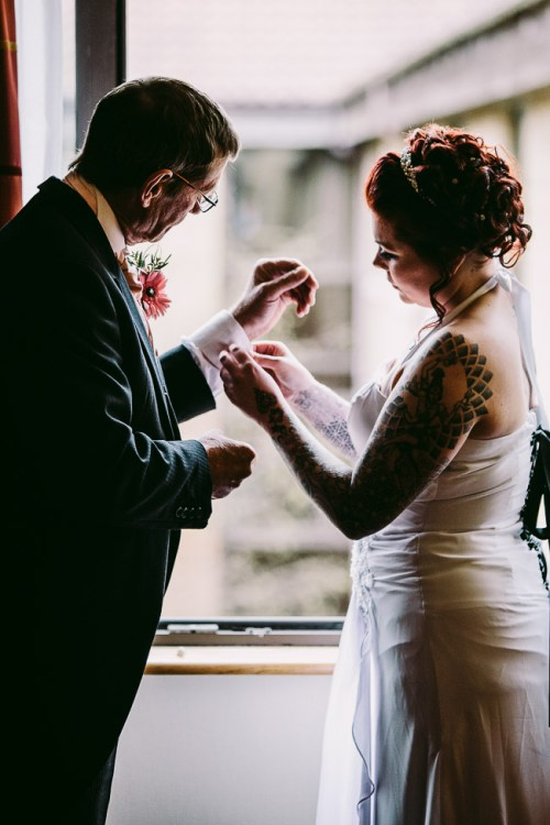 Wiltshire_Wedding_Photographer-32