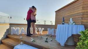 הצעת נישואין בתל אביב יפו, הצעת נישואין בתל אביב יפו