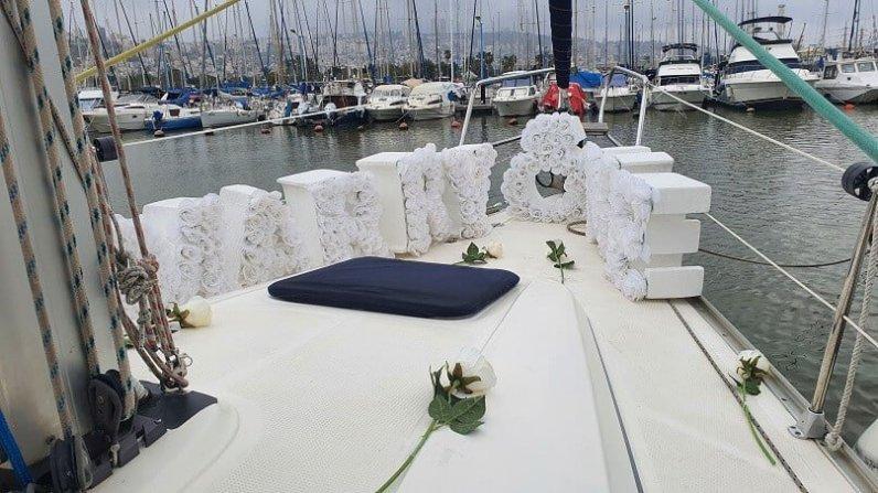 הצעת נישואין ביאכטה בסירה בנמל חיפה ים התיכון צפון(11.3.21)00014
