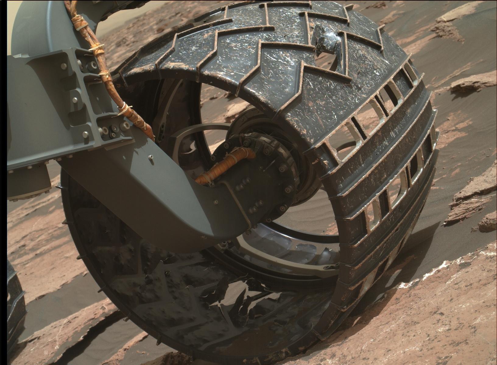 Mars Curiosity Rover Wheel Wear and Tear 27 January 2017 space