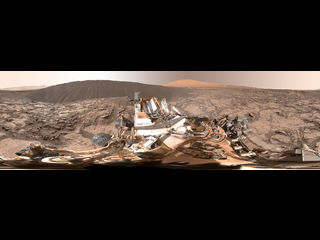 Imagen de panorama de círculo completo junto a 'Namib Dune' en Marte