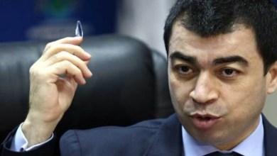 Photo of موقفان متناقضان لسيزار ابي خليل في موضوع واحد