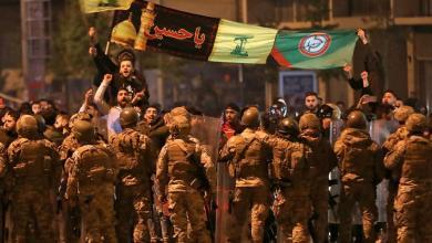 Photo of فتنة مذهبية تخيم فوق بيروت والانتفاضة… مناصرون لأمل وحزب الله يواجهون الأمن