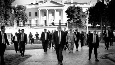 Photo of الرئيس ترامب يزور كنيسة مار يوحنا المعمدان بعد احراقها من قبل حشد من الإرهابيين