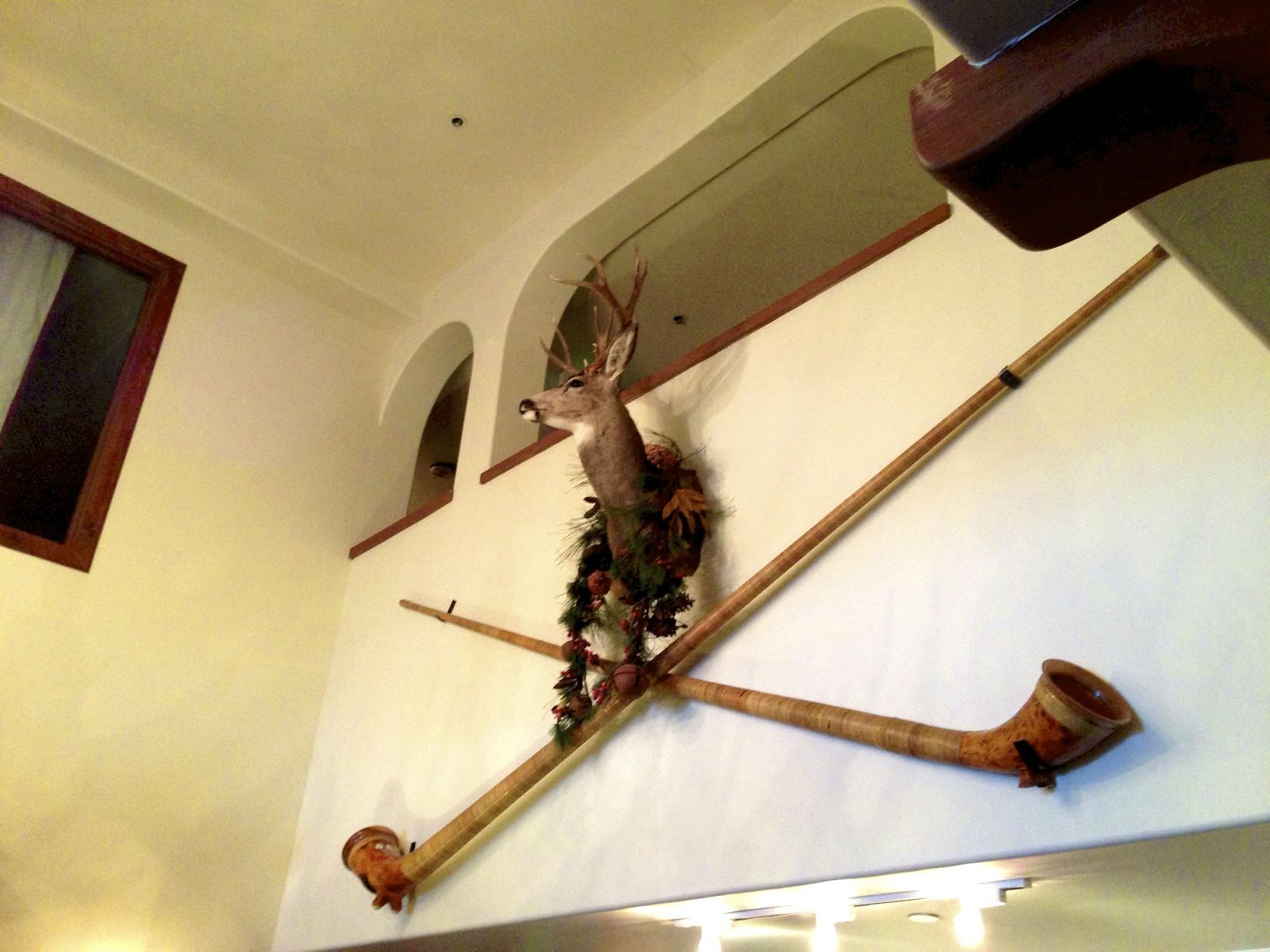 Goldener Hirsch lobby