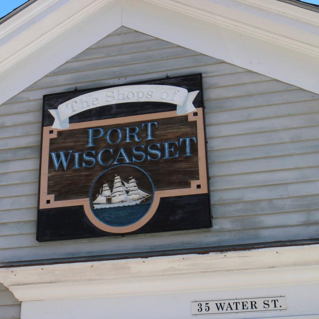 Walking around Wiscasset
