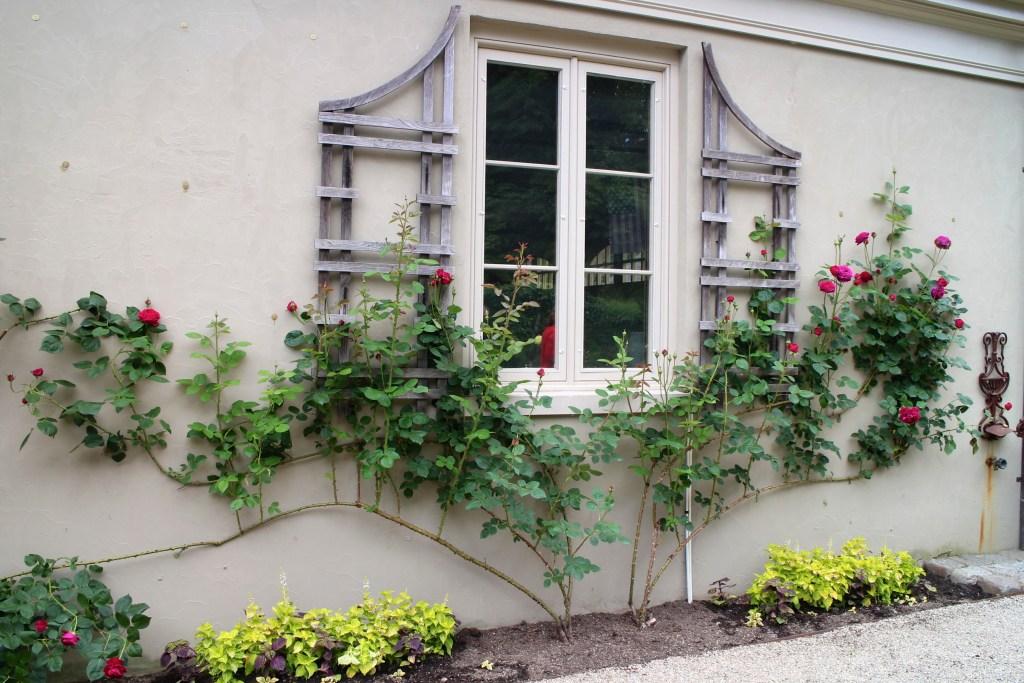 Parterre, Bettie Bearden Pardee's garden in Newport