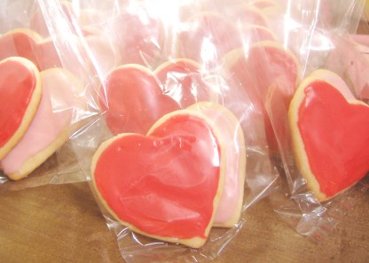 valentines-day-cookies-iced