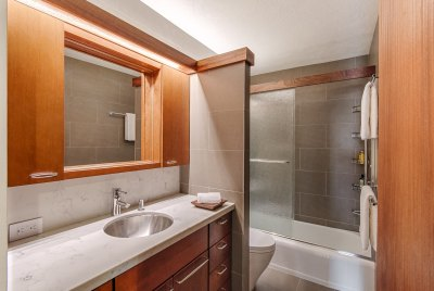 photo of bathroom, Downtown Honolulu Apartment Renovation