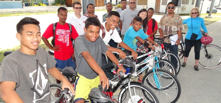 Bikes new Baninnur Club donation
