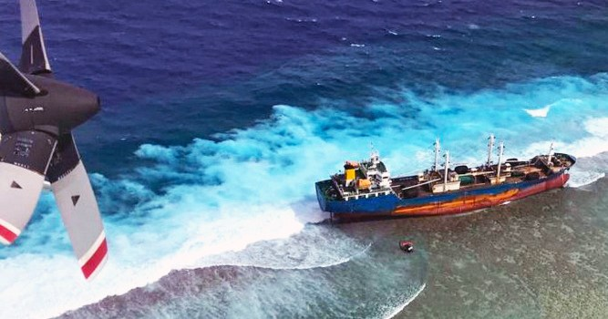 Fish carrier hits Taka reef