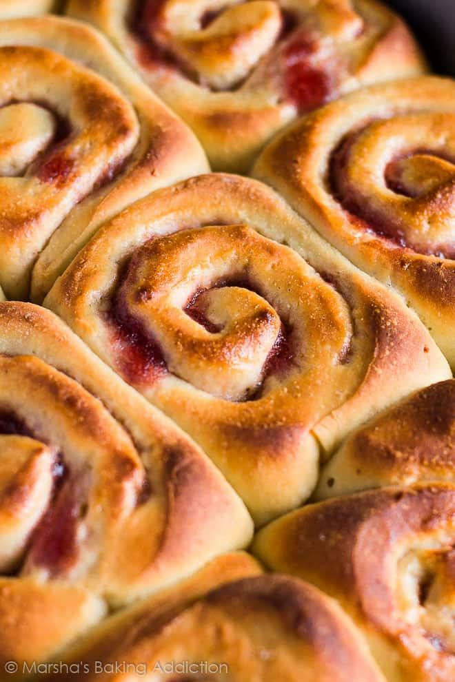 Bakewell Sweet Rolls | marshasbakingaddiction.com @marshasbakeblog