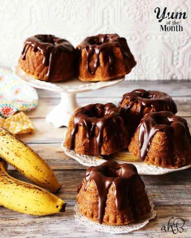 Mini Banana Bundt Cakes