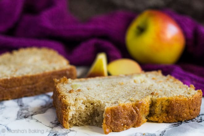 Apple Cinnamon Bread | marshasbakingaddiction.com @marshasbakeblog