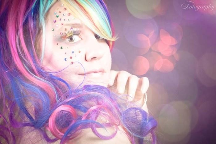 Bring Farbe in dein Leben | Plus Size Fashion Fantasy | Body Positivity, Plus Size Mode, Plus Size Model Foto: Vanessa Vogl Fotography
