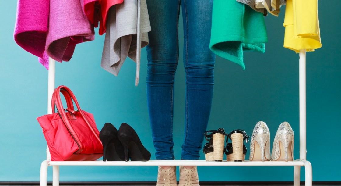 اختيار الملابس المناسبة مع لون البشرة