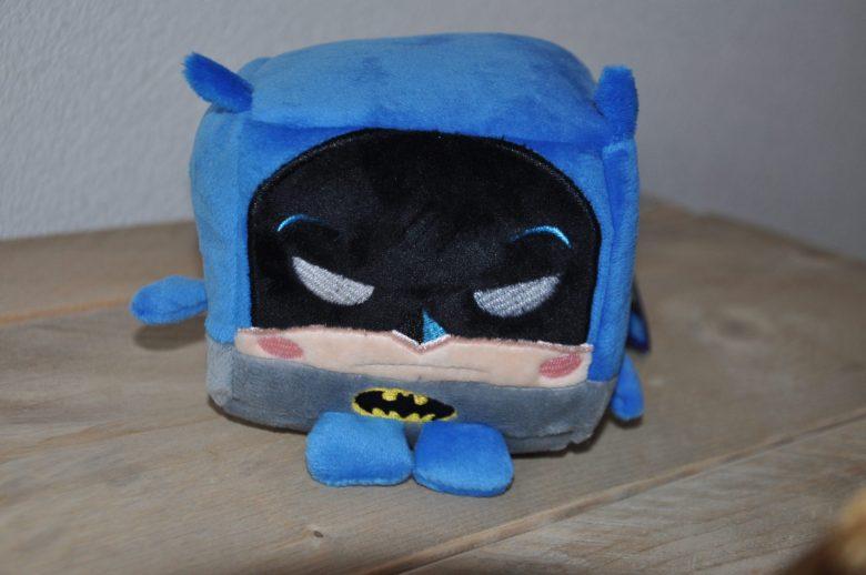 Grappige gimmick voor DC Comics fans: de Kawaiicube! Mijn jarige man kreeg Batman :-)