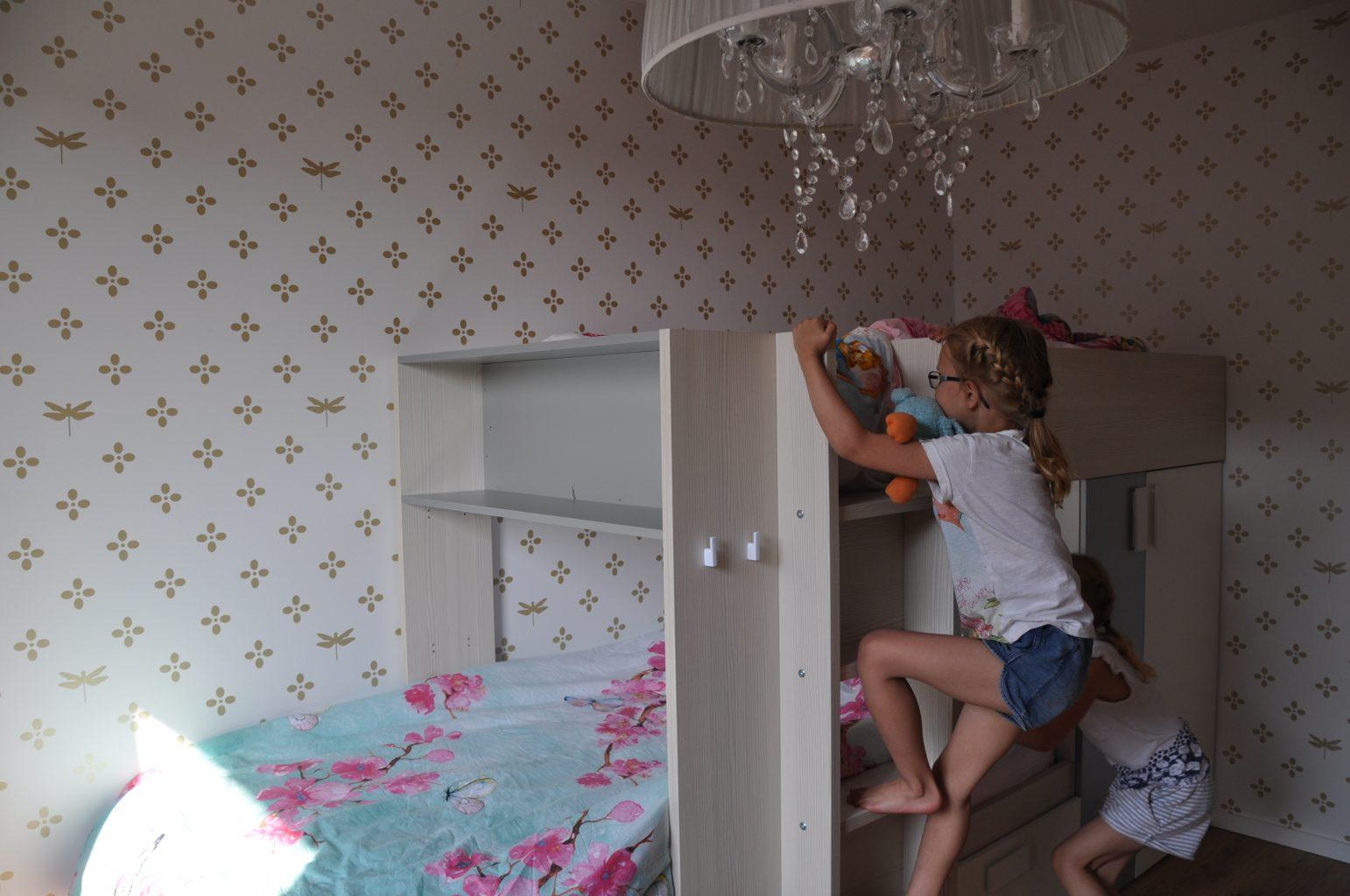 Kinderkamer Patronen Behang : Binnenkijker de gouden kinderkamer ⋆ marstyle