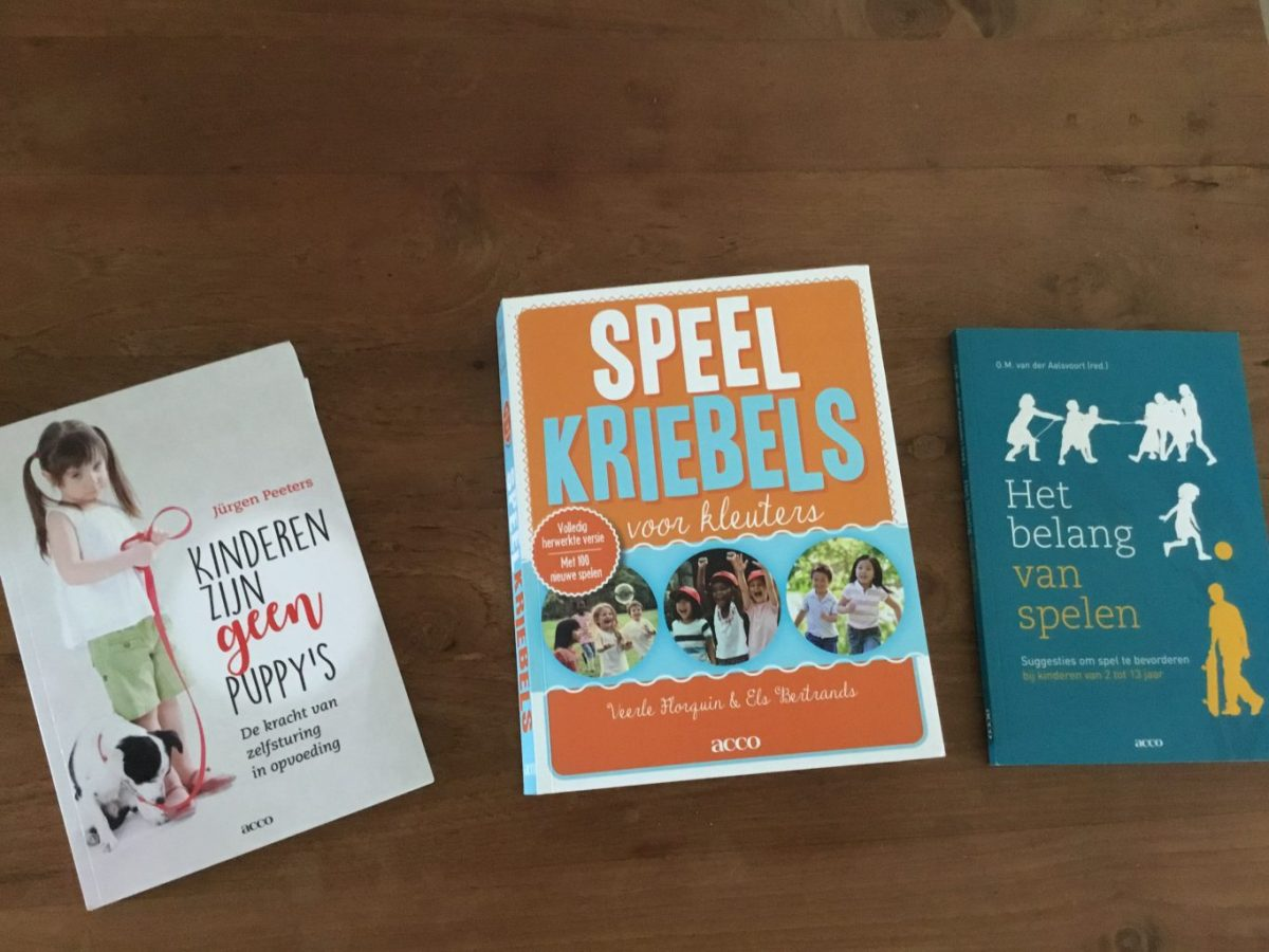 Onderwijs en opvoedboeken: over spelen en dat kinderen geen puppy's zijn
