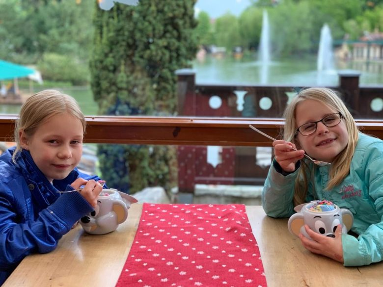 ijsje eten