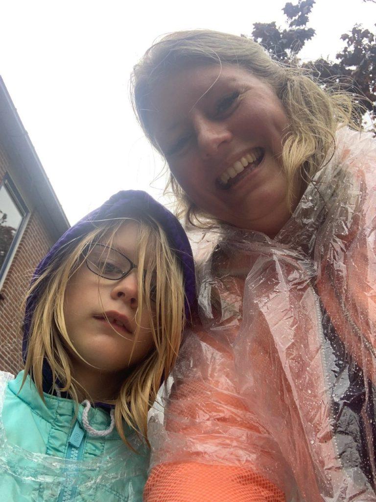 in de regen