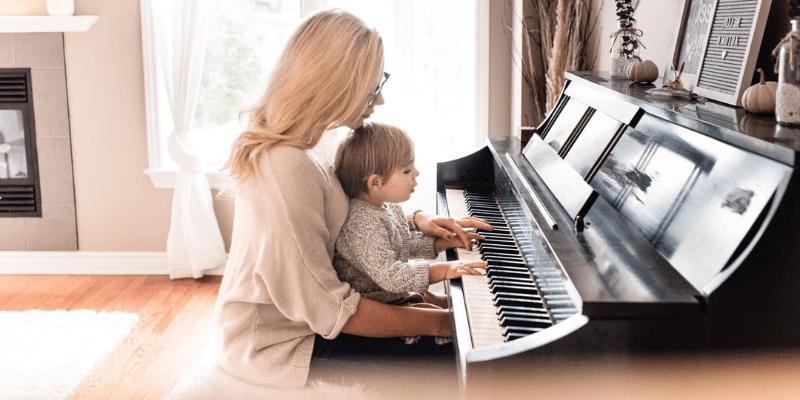 Cómo componer una pieza para piano con tus hijes