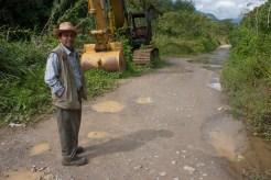 Santa Cruz Barillas, Huehuetenango, Guatemala. 25 de enero de 2013. Pablo Antonio Pablo pasa por el camino donde asesinaron al campesino Andrés Francisco Miguel el 1 de mayo de 2012, día en que decretaron un estado de sitio en la comunidad durante 17 dias. Marta Molina