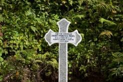 Santa Cruz Barillas, Huehuetenango, Guatemala. 25 de enero de 2013. Cruz de piedra en honor al campesino Andrés Francisco Miguel asesinado el 1 de mayo de 2012, día en que decretaron un estado de sitio en la comunidad durante 15 días. Foto: Marta Molina