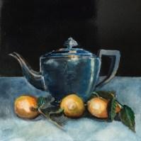 56_Drop of lemon in your tea?_Silver teapot with lemons
