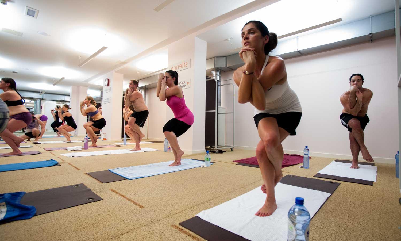 vad är hot yoga