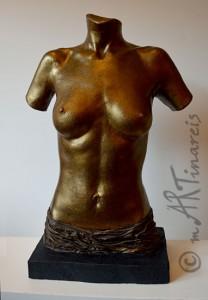 Frauentorso aus Gips in Bronze-Finish mit Draperie