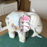 Pappmache-Elephant-Konstruktion