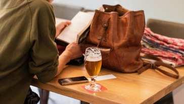 1572518220 adolescente bebiendo alcohol El Neuropediatra explica el efecto del alcohol en el cerebro adolescente