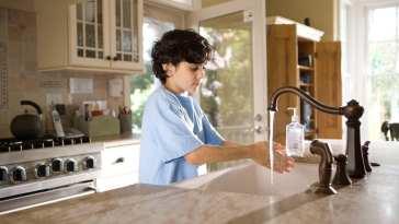 1583151501 lavarse manos El Neuropediatra explica qué es el coronavirus en niños
