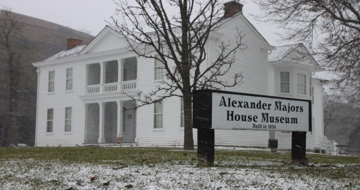 Four historic homes tours offer a festive start to holidays