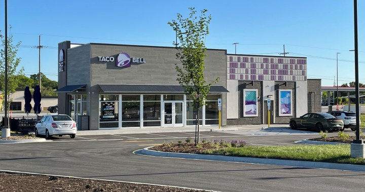 Taco Bell opens on Bannister Rd.