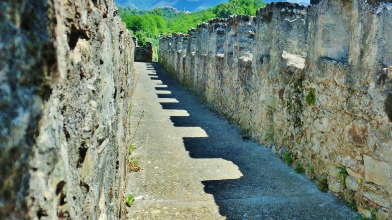 Battlements, Castello di Malgrate, Lunigiana, Tuscany, Italy