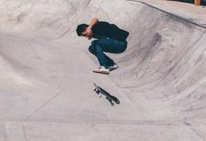 skateboarder-1209488__340
