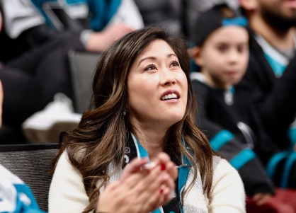 San Jose Sharks vs Arizona Coyotes Kristi Yamaguchi 1992 Olympic Champion Photos by Guri Dhaliwal (Martinez News-Gazette)