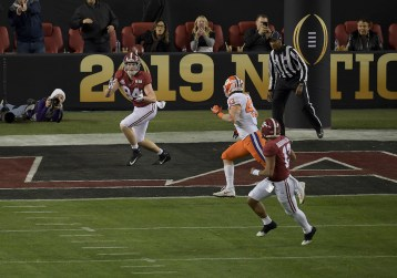 2019 NCAA National Championship Game Clemson Tigers vs Alabama Crimson Tide #84 Sr.TE Hale Hentges Photos by Gerome Wright