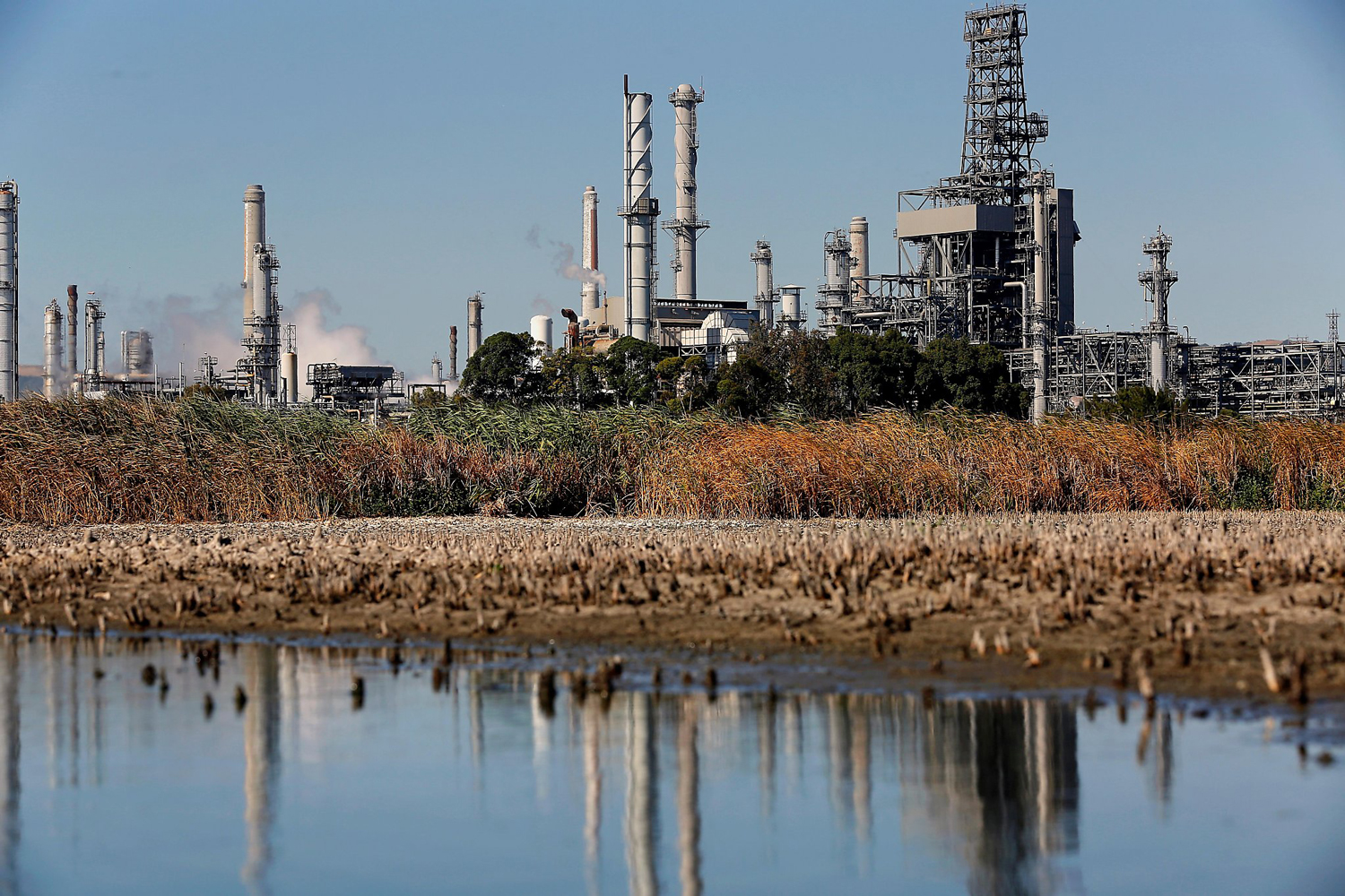 Shell sells Martinez Refinery to PBF, ending 104-year