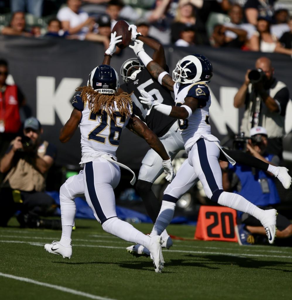 Oakland Raider vs Los Angeles Rams