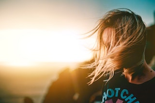 5 Tips To Rescue Sun-Damaged Hair