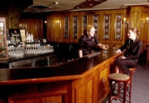 the now vanished Cahoots bar, once a haunt of Politicians/journos and Canberra's only bar with more angles that an inside scoop.