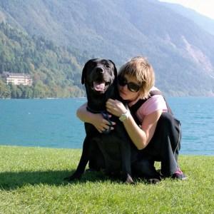 labrador e ragazza foto