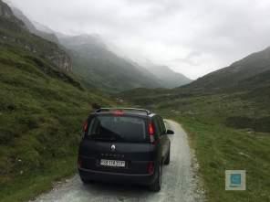 Auf dem Weg auf die Alp mit unserem Espace