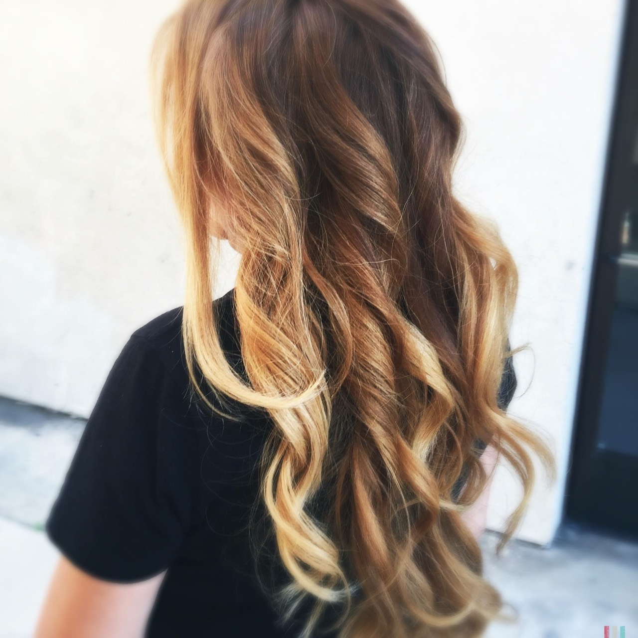 Golden balayage for brunette hair