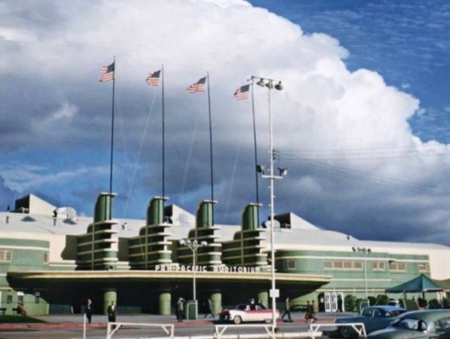 Pan Pacific Auditorium (color)