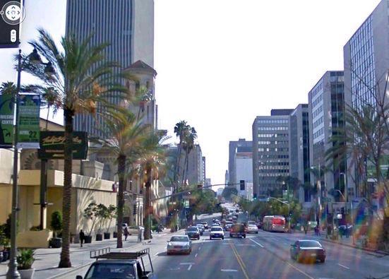 Looking east on Wilshire Blvd across Normandie Ave, Los Angeles